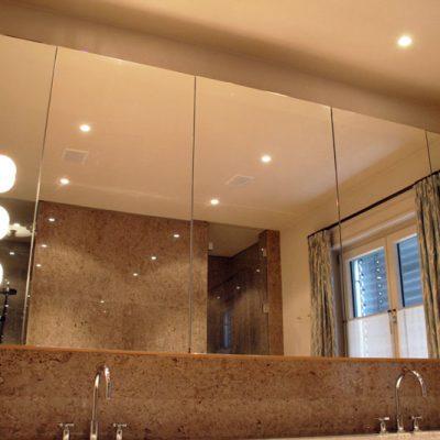 Duschkabine / Duschtür aus Glas
