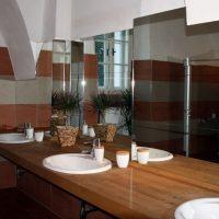 Spiegel in einem Waschraum